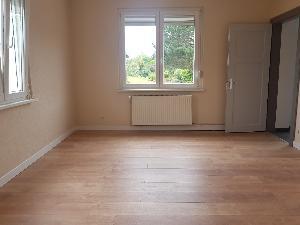 Maison d'environ 120 m2, refaite à neuf, comprenant:  - Au…