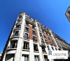 PARIS 18 - LAMARCK/CAULAINCOURT Au 6° étage d'un immeuble…