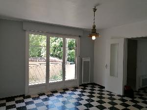 Appartement de type 2 avec balcons, cave et parking…
