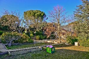 I- SOMMAIREMENT:  Sur la commune de Pouzilhac à 15 min de…