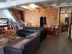 Maison 7 pièces de 155 m2 avec garage, Appt T2 et jardinet