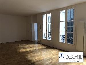 PARIS 2 - LES HALLES / ETIENNE MARCEL Au 4° étage avec…