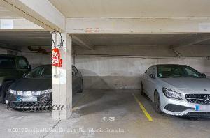 Place de parking de 10 m², situé au 1er sous-sol avec…