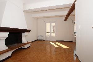 Situé à Roquebrune Sur Argens, dans le centre village, à…