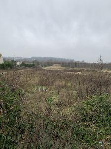 Terrain à bâtir plat et viabilisé, situé aux Mureaux,…